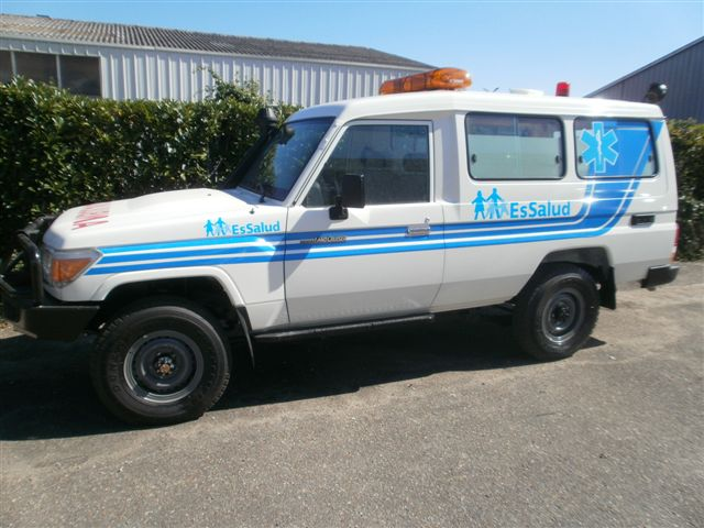 Perou 4*4 land cruiser ambulance Petit