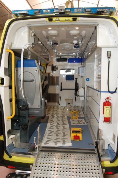 Ambulance Export Irlande Petit by Gruau
