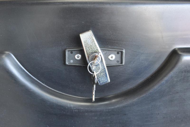 coffre sous benne clef